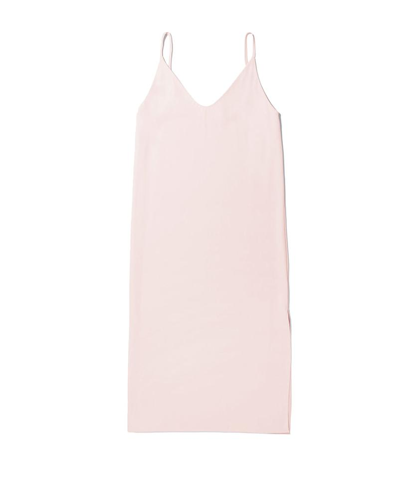 "<p>Everlane Japanese GoWeave Long Slip Dress, $88, <a rel=""nofollow"" href=""https://www.everlane.com/products/womens-japanese-goweave-slip-dress-rose?collection=dresses"">everlane.com</a> </p>"