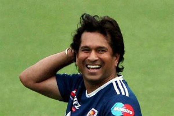 <b>10. Sachin Tendulkar</b><br><br>Many people say a change in hairstyle brought him luck and so he managed to get his 100th 100. Now, that is a debatable claim, but this hairstyle is different from all others Sachin has ever had. It is an unkempt look, with his curls being more prominent than they ever have been. We like this look, and if you have curly hair then we suggest you should ask your stylist for a similar cut.