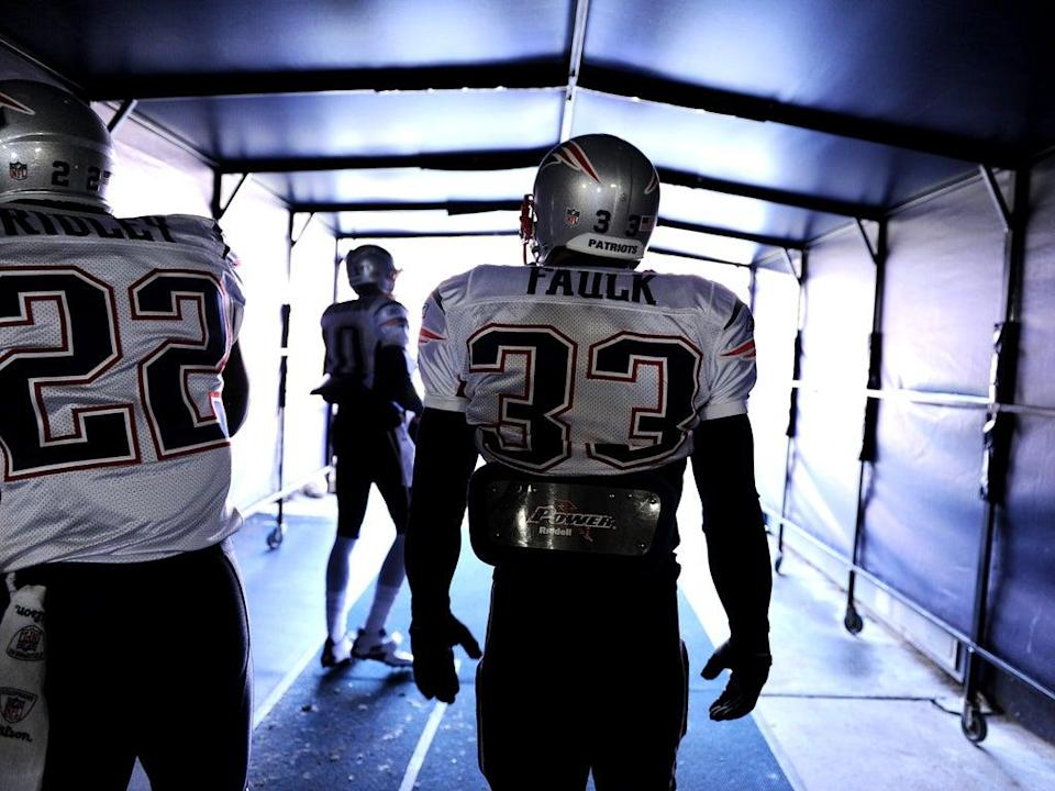 Kevin Faulk of the New England Patriots takes the field during warm ups before taking on the Denver Broncos on December 18, 2011 in Denver, Colorado (Getty Images)