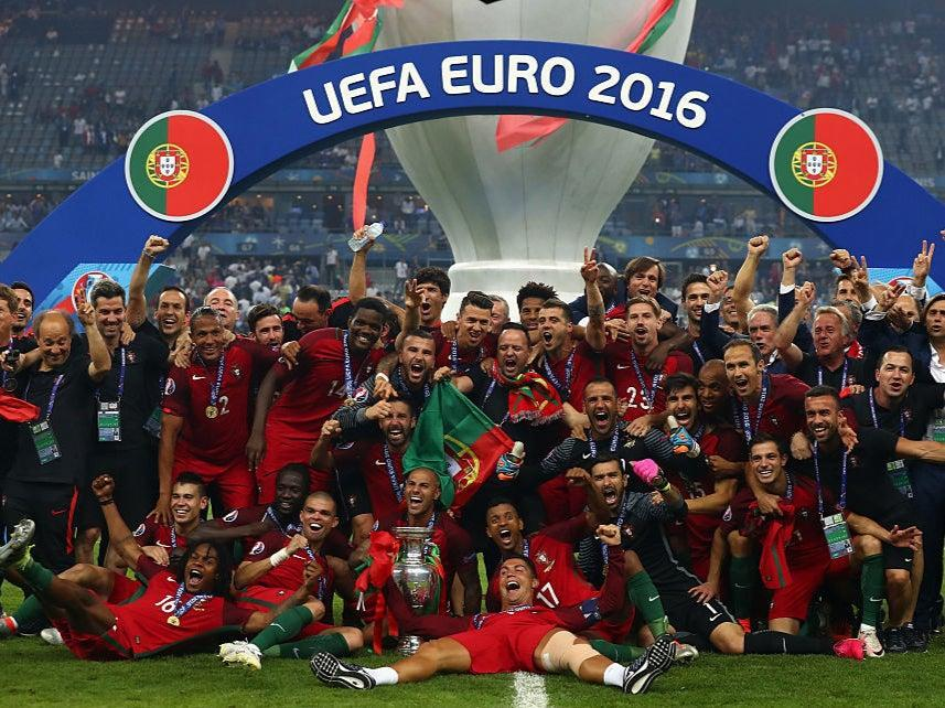 Portugal celebrate winning Euro 2016 (Getty Images)