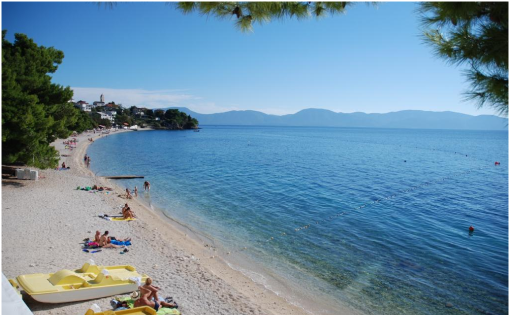 <p>This is one of the most well-known shingle beaches on the Adriatic, and one of the largest as it measures over three miles long. Olive trees and pine forests create a protective prove, so wind is minimal.  This beach is well situated in the Dalmatian city of Gradac.</p>