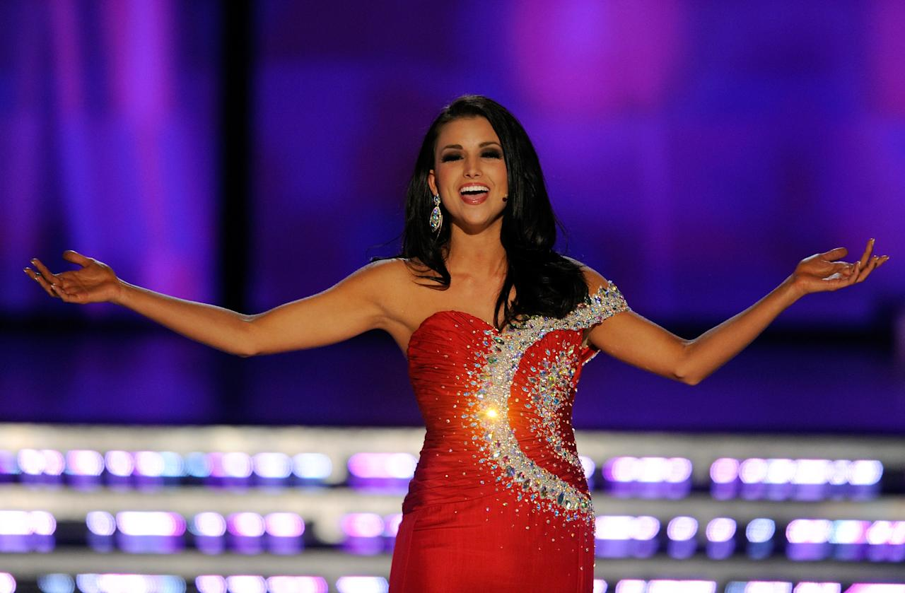 LAS VEGAS, NV - JANUARY 14:  Laura Kaeppeler, Miss Wisconsin, sings during the talent competition during the 2012 Miss America Pageant at the Planet Hollywood Resort & Casino January 14, 2012 in Las Vegas, Nevada. Kaeppeler went on to be crowned the new Miss America.  (Photo by Ethan Miller/Getty Images)