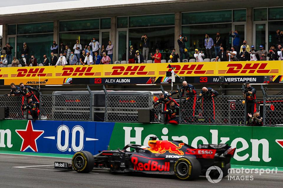 "Tercer lugar Max Verstappen, Red Bull Racing RB16<span class=""copyright"">Sam Bloxham / Motorsport Images</span>"