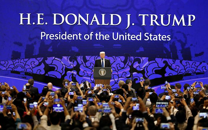 <p>President Donald Trump speaks on the final day of the APEC CEO Summit ahead of the Asia-Pacific Economic Cooperation (APEC) leaders summit in Danang, Vietnam, Nov. 10, 2017. (Photo: Nyein Chan Naing/Pool/Reuters) </p>
