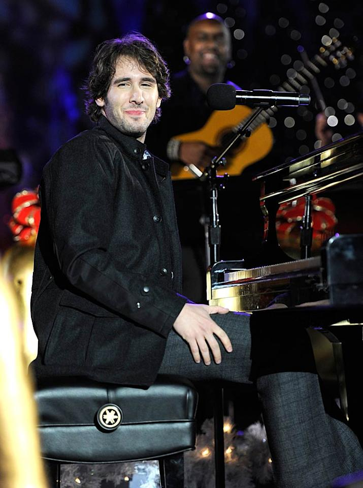 """Everyone's mom's favorite crooner Josh Groban added a little local flair with his tune """"Bells of New York City."""" Kevin Mazur/<a href=""""http://www.wireimage.com"""" target=""""new"""">WireImage.com</a> - November 30, 2010"""