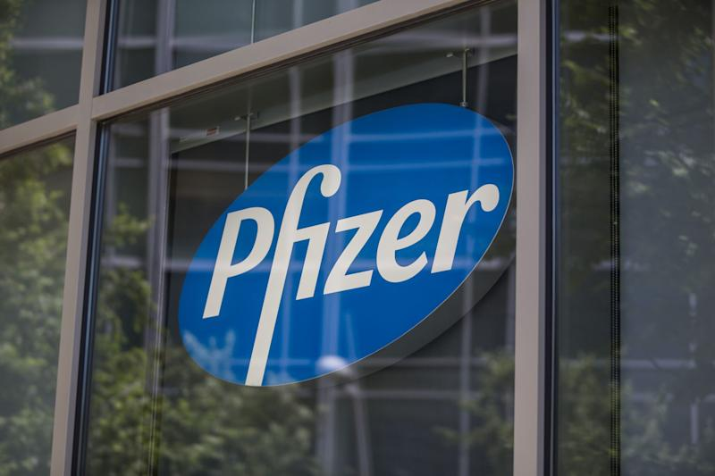 Pfizer Eyes IPO of Glaxo Consumer Venture in 3 to 4 Years