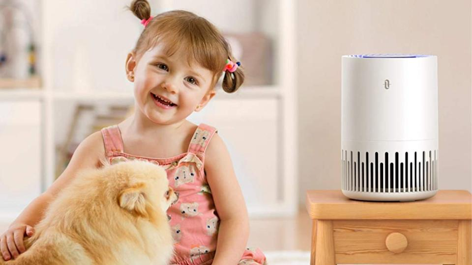 TaoTronics Air Purifier helps remove 99.97% of airborne particles. (Image via Amazon)