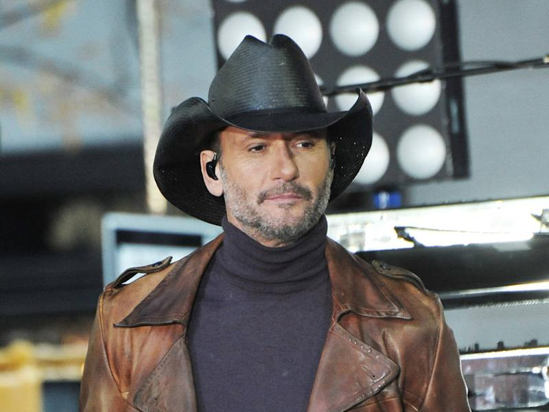 Tim McGraw relaxes fitness regime for Thanksgiving feast