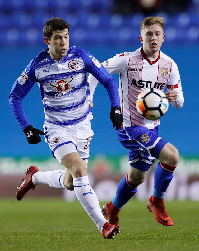 Soccer Football - FA Cup Third Round Replay - Reading vs Stevenage - Madejski Stadium, Reading, Britain - January 16, 2018 Reading's Pelle Clement in action with Stevenage's Mark McKee Action Images/Andrew Couldridge