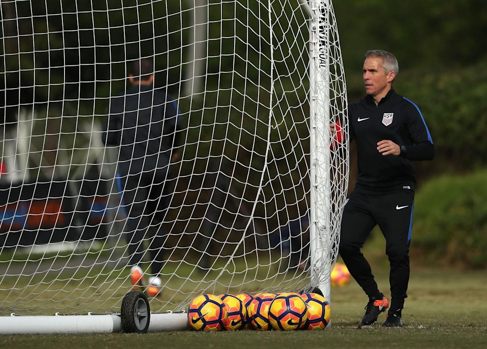 CARSON, CA - JANUARY 19:  Assistant Coach Richie Williams moves the net during the USMNT training session at StubHub Center on January 19, 2017 in Carson, California.  (Photo by Victor Decolongon/Getty Images)
