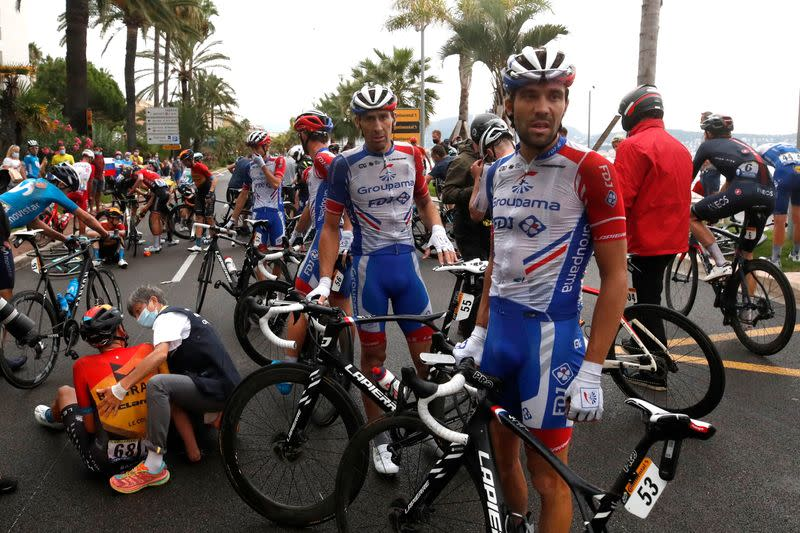Pinot left fuming after Tour de France stage one crash
