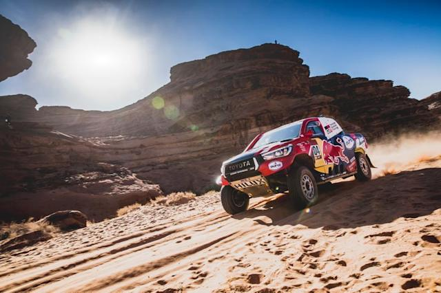 "#304 Toyota Gazoo Racing: Giniel De Villiers, Alex Haro Bravo <span class=""copyright"">Red Bull Content Pool</span>"