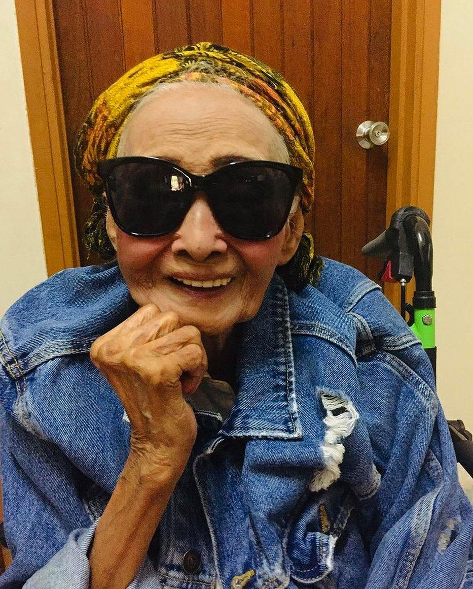 Darzian bonds with her grandmother over fashion makeovers. (PHOTO: Daezian Darby)