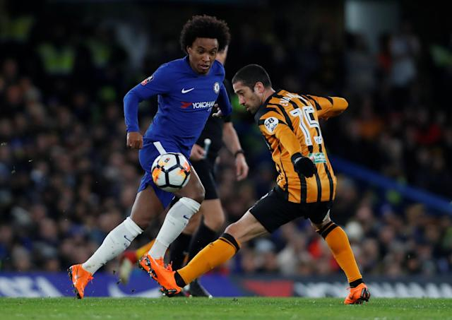 Soccer Football - FA Cup Fifth Round - Chelsea vs Hull City - Stamford Bridge, London, Britain - February 16, 2018 Chelsea's Willian in action with Hull City's Evandro Goebel Action Images via Reuters/Paul Childs