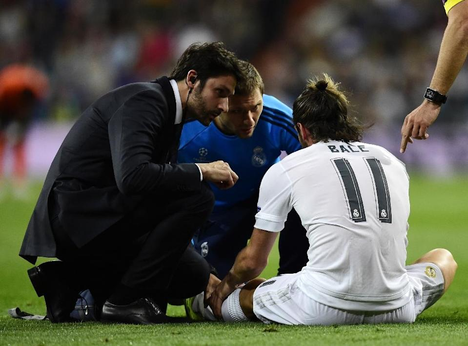 Gareth Bale injured his left calf during Real Madrid's Champions League game against Shakhtar Donetsk at the Bernabeu stadium on September 15, 2015 (AFP Photo/Javier Soriano)
