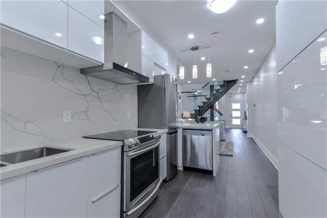 <p><span>333 Highfield Rd., Toronto, Ont.</span> <br>The quartz countertops are complimented by new stainless steel appliances.<br> (Photo: Zoocasa) </p>