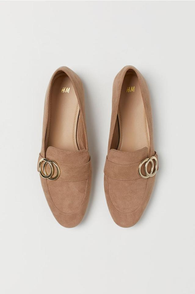 """<p>These <a href=""""https://www.popsugar.com/buy/HampM-Loafers-484264?p_name=H%26amp%3BM%20Loafers&retailer=www2.hm.com&pid=484264&price=25&evar1=fab%3Aus&evar9=45724169&evar98=https%3A%2F%2Fwww.popsugar.com%2Fphoto-gallery%2F45724169%2Fimage%2F46542928%2FHM-Loafers&list1=shopping%2Cshoes%2Cflats%2Cloafers%2Cwinter%20fashion&prop13=api&pdata=1"""" rel=""""nofollow"""" data-shoppable-link=""""1"""" target=""""_blank"""" class=""""ga-track"""" data-ga-category=""""Related"""" data-ga-label=""""https://www2.hm.com/en_us/productpage.0779622003.html"""" data-ga-action=""""In-Line Links"""">H&amp;M Loafers</a> ($25) come in many different colors.</p>"""