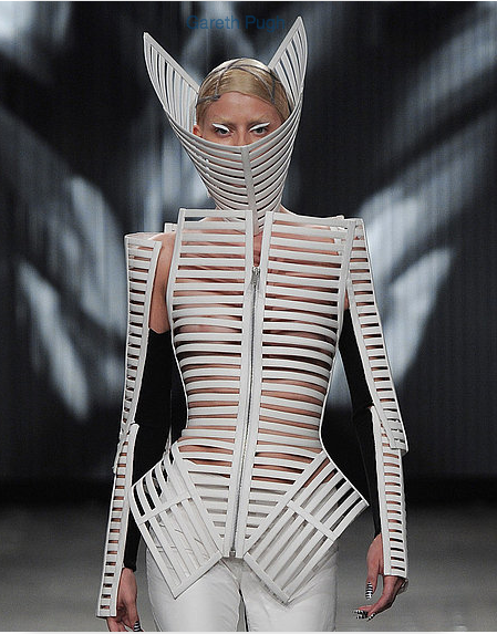"""<div class=""""caption-credit""""> Photo by: fabsugar.com</div>The Cut-Out Look"""