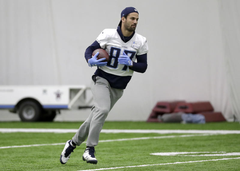 Eric Decker, shown with the Titans last season, retired from the NFL. (AP)