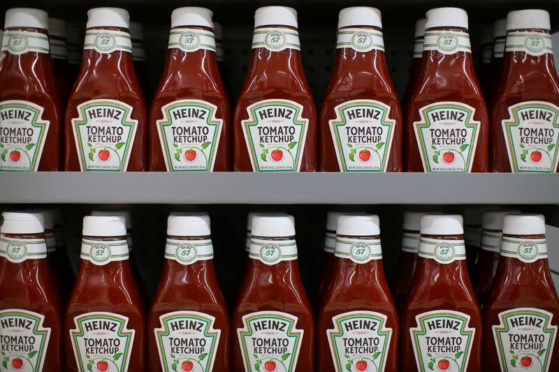 Kraft Heinz meat, cheese sales lag as shoppers buy premium products