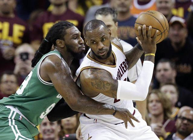 "<a class=""link rapid-noclick-resp"" href=""/nba/teams/cle/"" data-ylk=""slk:Cleveland Cavaliers"">Cleveland Cavaliers</a>' LeBron James, right, backs down <a class=""link rapid-noclick-resp"" href=""/nba/teams/bos/"" data-ylk=""slk:Boston Celtics"">Boston Celtics</a>' <a class=""link rapid-noclick-resp"" href=""/nba/players/5068/"" data-ylk=""slk:Jae Crowder"">Jae Crowder</a> (99) during the first half of Game 3 of the NBA basketball Eastern Conference finals, Sunday, May 21, 2017, in Cleveland. (AP Photo/Tony Dejak)"