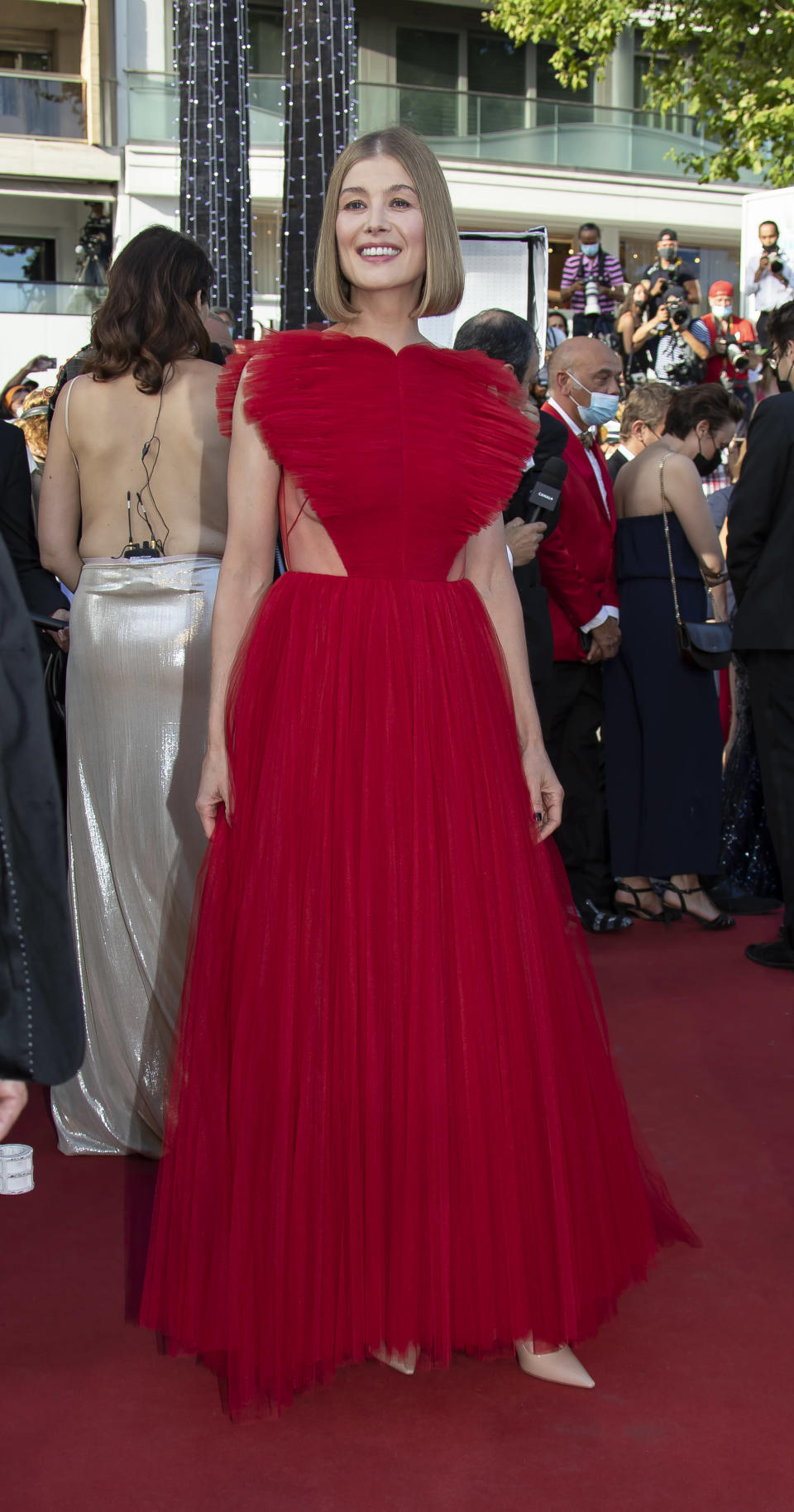 """Rosamund Pike attends the final screening of """"OSS 117: From Africa With Love"""" and closing ceremony during the 74th annual Cannes Film Festival on July 17, 2021 in Cannes, France. - Credit: KCS Presse / MEGA"""