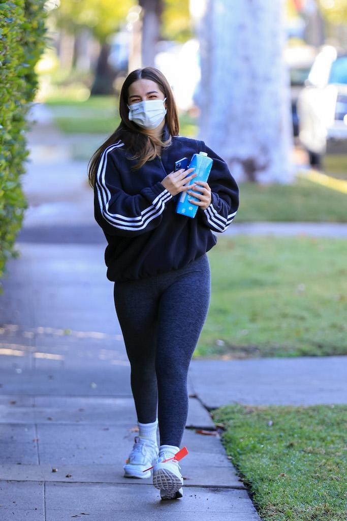 Addison Rae rocks Off White sneakers heading to her workout In Los Angeles. 25 Jan 2021 Pictured: Addison Rae rocks Off White sneakers heading to her workout. Photo credit: Rachpoot/MEGA TheMegaAgency.com +1 888 505 6342 (Mega Agency TagID: MEGA728820_001.jpg) [Photo via Mega Agency]
