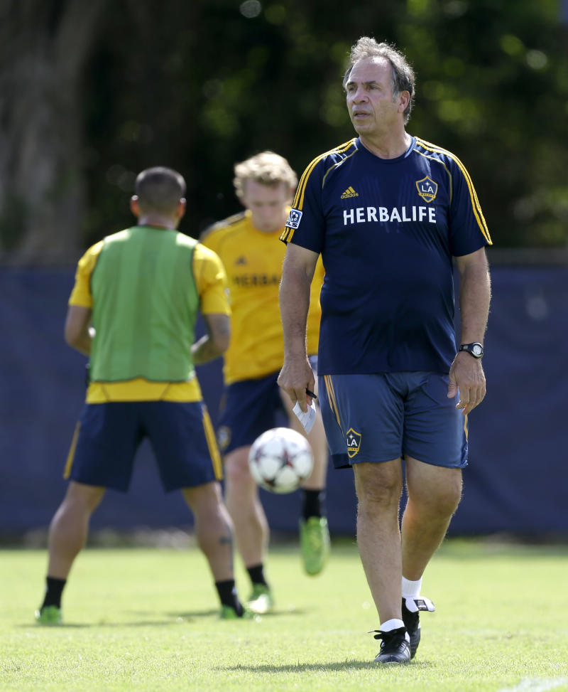 Galaxy coach Arena suspended for 1 game