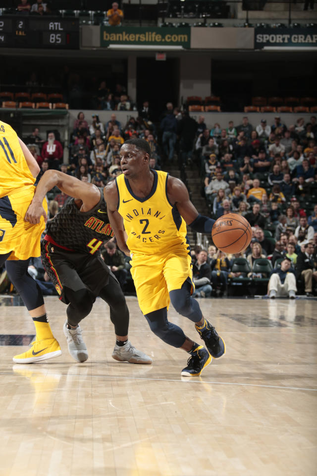 INDIANAPOLIS, IN - MARCH 9: Darren Collison #2 of the Indiana Pacers handles the ball against the Atlanta Hawks on March 9, 2018 at Bankers Life Fieldhouse in Indianapolis, Indiana. (Photo by Ron Hoskins/NBAE via Getty Images)