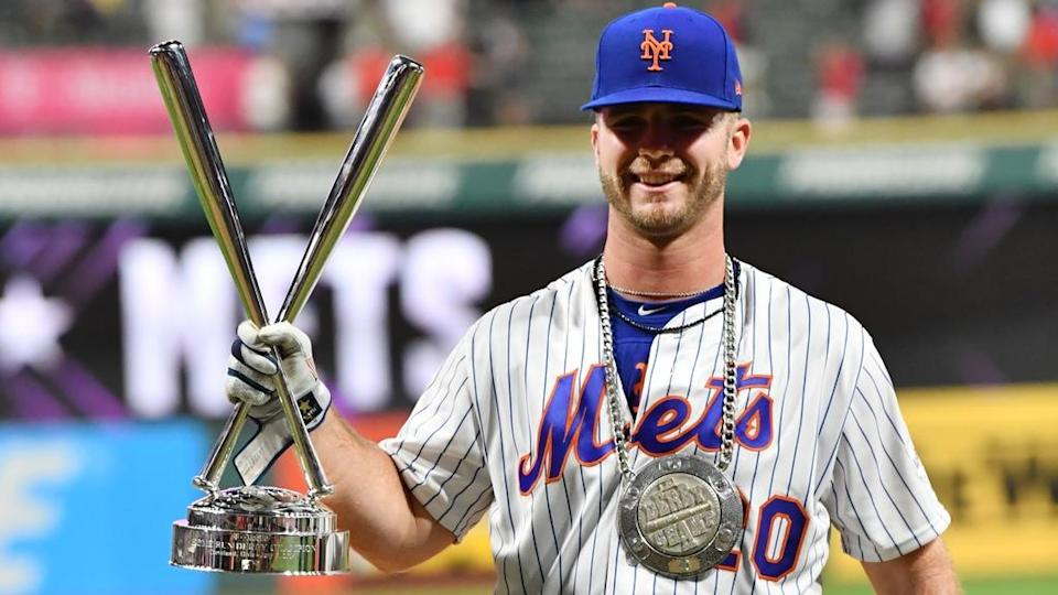 Pete Alonso poses after winning Home Run Derby in 2019