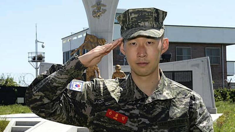 Hot-shot Son completes military service