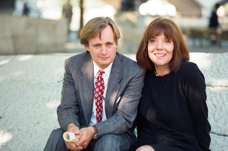David McCallum and Diana Rigg at a photocall for the BBC TV series 'Mother Love'. 17th October 1989. (Photo by Julian Brown/Mirrorpix/Getty Images)