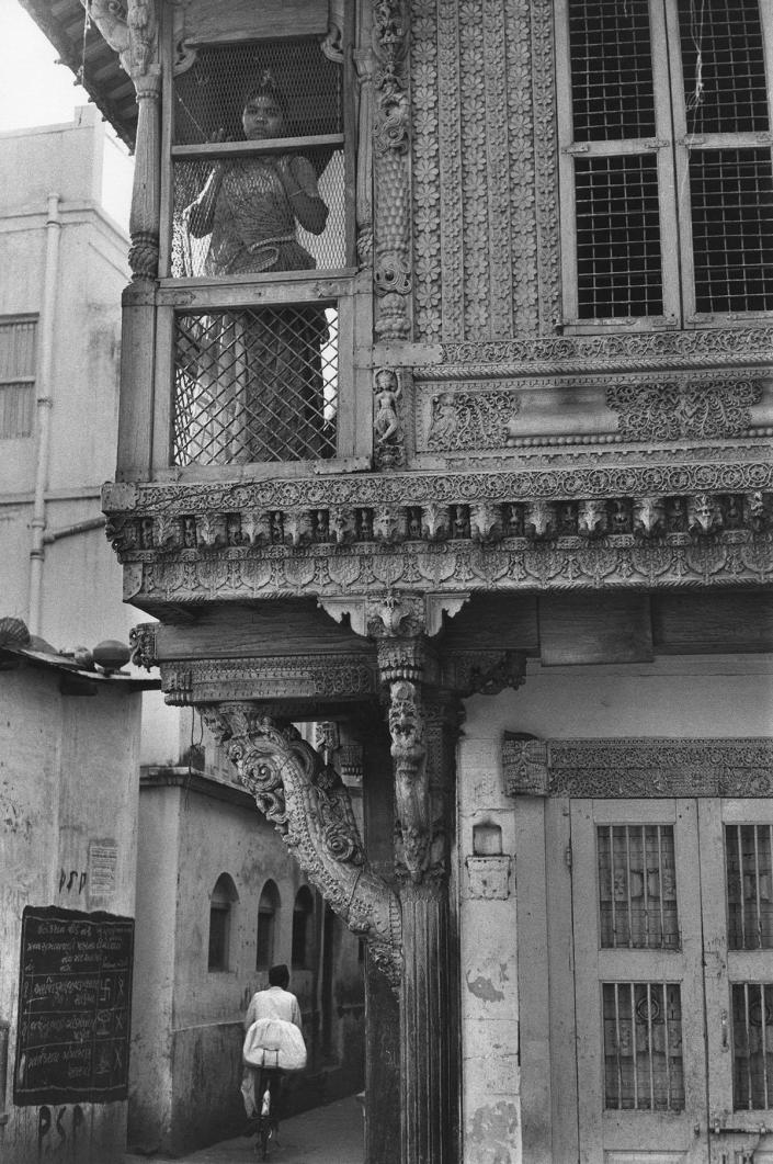 """<p>""""In the old town."""" Ahmedabad, Gujarat, India • 1966. (Photo: Henri Cartier-Bresson/Magnum Photos) </p>"""