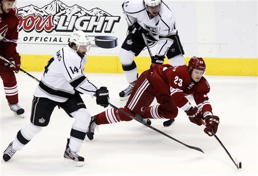 Kings edge Coyotes 4-3 in overtime to win West