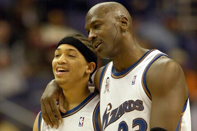 "See, Tyronn Lue really did play with <a class=""link rapid-noclick-resp"" href=""/ncaaf/players/263612/"" data-ylk=""slk:Michael Jordan"">Michael Jordan</a>. (AP)"