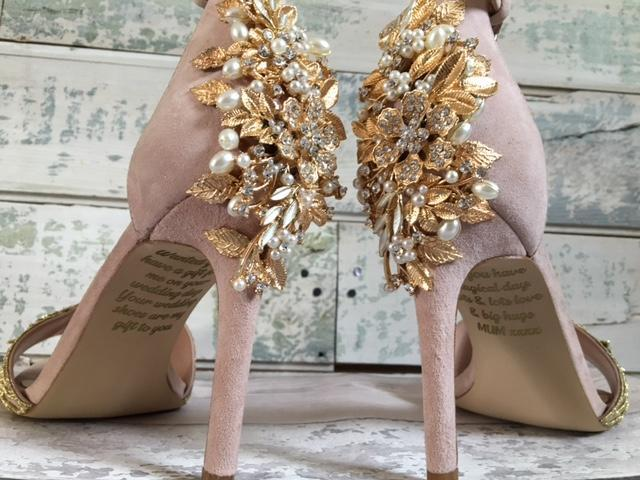 The bride's mother paid for her wedding shoes ahead of the big day [Photo: Lace and Love]
