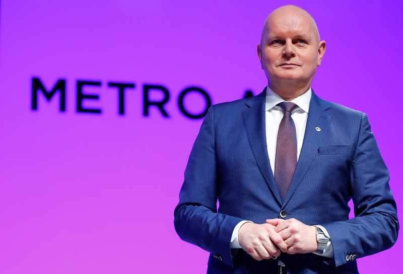Boss of wholesale group Metro to leave at end of year