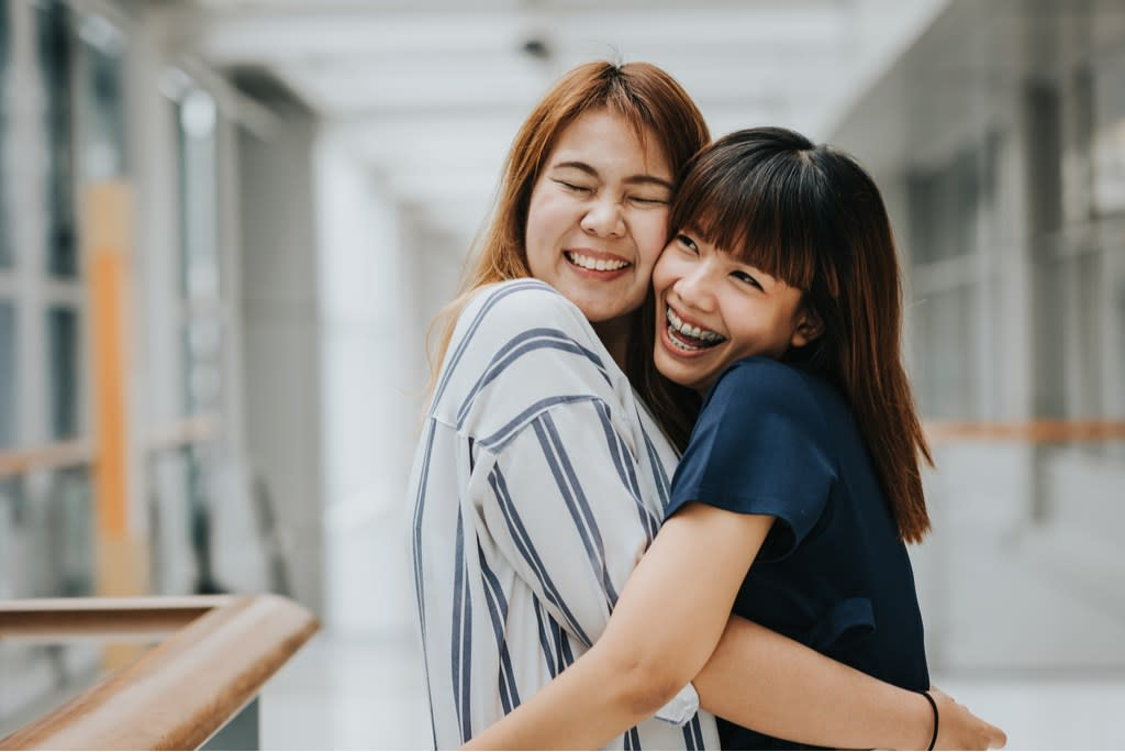 """Compliments are the kind of currency the world could use more of. In fact, a 2012 study in the journal <a href=""""https://journals.plos.org/plosone/article?id=10.1371/journal.pone.0048174"""" target=""""_blank""""><em>PLOS One</em></a>found that getting a compliment is just as great as getting money, in terms of how your brain interprets it. Plus, little compliments mutually benefit those on both the receiving and giving ends. """"Compliments can lift moods, improve engagement with tasks, enhance learning, and increase persistence,"""" University of Melbourne professor <strong>Nick Haslam</strong> told <a href=""""https://www.huffingtonpost.com.au/2017/06/19/compliments-are-good-for-your-health-but-not-if-theyre-fake_a_22488747/"""" target=""""_blank"""">HuffPost</a>. """"<a href=""""https://bestlifeonline.com/compliments-over-50/?utm_source=yahoo-news&utm_medium=feed&utm_campaign=yahoo-feed"""">Giving compliments</a> is arguably better than receiving them, just as giving gifts or contributing to charity has benefits to the giver.""""  With that in mind, we've collected a bunch of compliments that will do the recipient—and you—a whole lot of good. All it takes is a few seconds to turn someone's day around, so check out this list of the best little compliments that go a long way.      <div class=""""number-head-mod number-head-mod-standalone"""">         <h2 class=""""header-mod"""">                     <div class=""""number"""">1</div>             <div class=""""title"""">""""You're so brave to try to make a change in your life.""""</div>                     </h2>     </div>"""