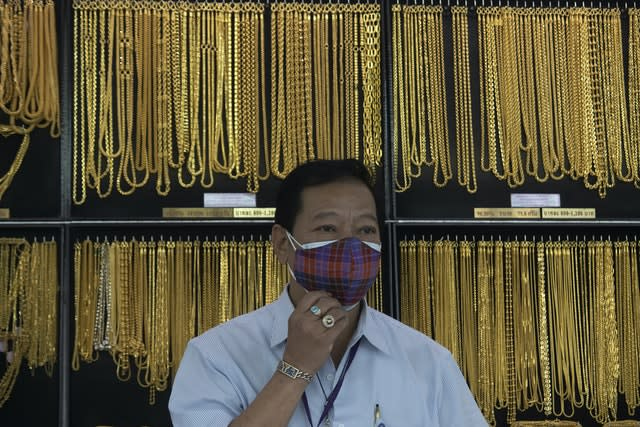 Gold price hits record high amid fears over coronavirus crisis
