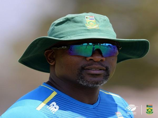 Enoch Nkwe (Photo: Twitter/Cricket South Africa)