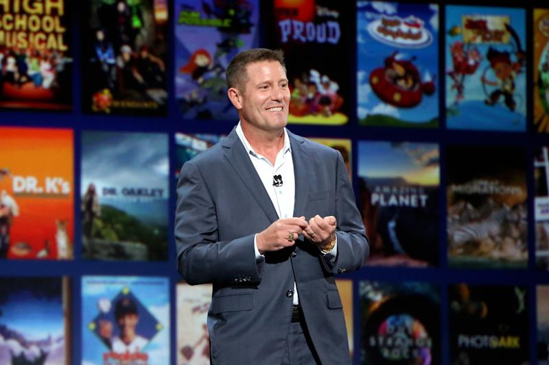 Kevin Mayer, presidente da divisão de streaming da Disney, apresentando o Disney+ durante o evento D23 em 2019. Foto: Jesse Grant/Getty Images for Disney