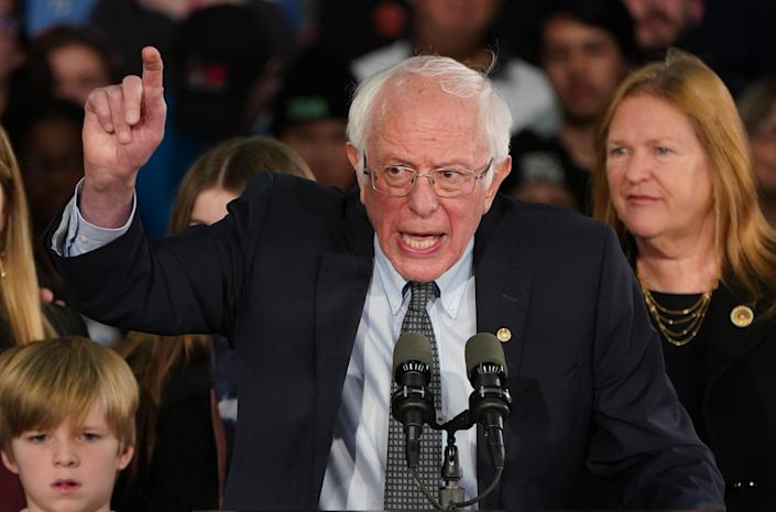 Democratic presidential candidate Senator Bernie Sanders speaks to supporters at his rally in Des Moines, Iowa, U.S., February 3, 2020. (REUTERS/Carlo Allegri)