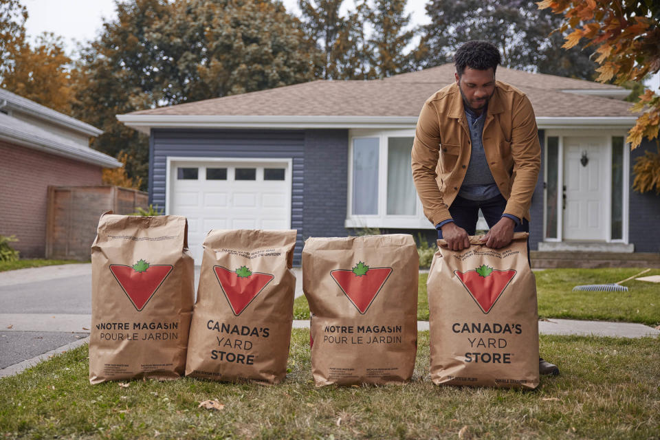 Canadian Tire yard waste bags on front lawn