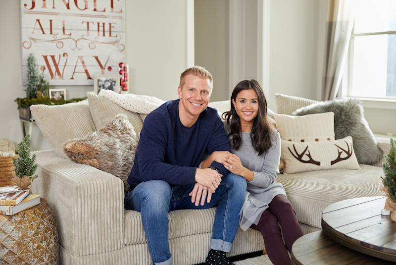 Fine This Bachelor Couple Just Rolled Out The Coziest Furniture Dailytribune Chair Design For Home Dailytribuneorg