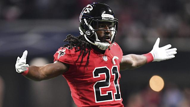 "Falcons running back <a class=""link rapid-noclick-resp"" href=""/nfl/players/27631/"" data-ylk=""slk:Devonta Freeman"">Devonta Freeman</a> scored wins on the field and on Twitter Thursday night. (AP)"
