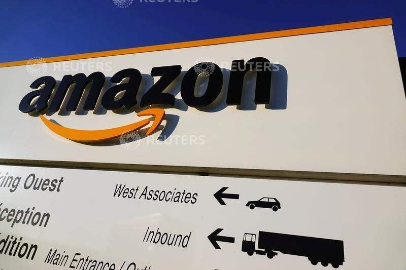 In Versailles, king of online retail Amazon fights unions backlash