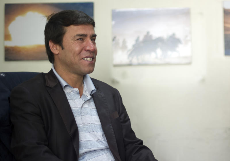 Shah Marai, chief photographer for Agence France-Presse in Kabul, killed in Kabul, Afghanistan, April 30, 2018. (Photo: Johannes Eisele/AFP via AP) In this file photo taken April 17, 2012 and released by the Agence France-Presse (AFP) on Monday, April 30, 2018, showing AFP photographer Shah Marai at the AFP bureau in Kabul. AFP chief photographer in Kabul, Shah Marai, was killed Monday April 30, 2018, AFP has confirmed, in a secondary explosion targeting a group of journalists who had rushed to the scene of a suicide blast in the Afghan capital.(Johannes Eisele/AFP via AP)