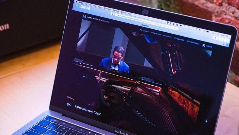 Give dad a way to explore their passions with a subscription to MasterClass.