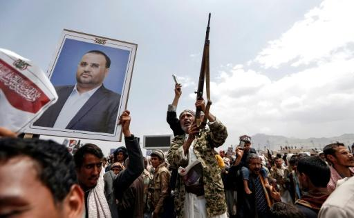 Yemeni rebel supporters attend the funeral of slain Huthi political chief Saleh al-Sammad in Sanaa on April 28, 2018
