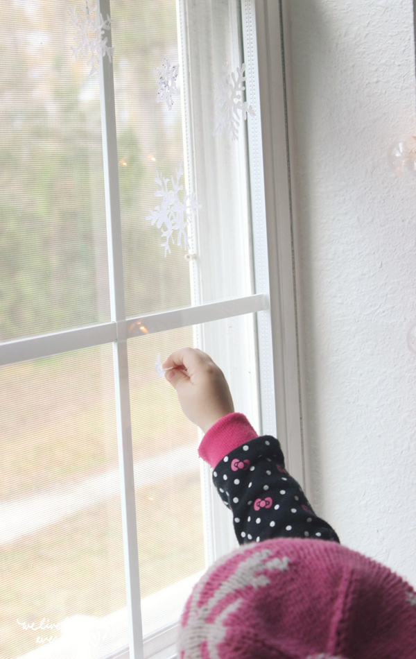 """<p>Decorations feel much more homey when you make them yourself. That's why we love these DIY hot glue window clings that definitely beat the store-bought versions.</p><p><strong>Get the tutorial at <a href=""""https://welivedhappilyeverafter.com/how-to-make-hot-glue-gun-snowflake/"""" rel=""""nofollow noopener"""" target=""""_blank"""" data-ylk=""""slk:We Lived Happily Ever After"""" class=""""link rapid-noclick-resp"""">We Lived Happily Ever After</a>.</strong></p><p><strong><a class=""""link rapid-noclick-resp"""" href=""""https://www.amazon.com/ccbetter-Upgraded-Removable-Anti-hot-Flexible/dp/B01178RVI2/?tag=syn-yahoo-20&ascsubtag=%5Bartid%7C10050.g.23343056%5Bsrc%7Cyahoo-us"""" rel=""""nofollow noopener"""" target=""""_blank"""" data-ylk=""""slk:SHOP GLUE GUNS"""">SHOP GLUE GUNS</a><br></strong></p>"""